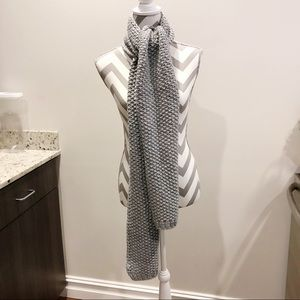 Gap Chunky Knit Long Cold Weather Scarf Gray